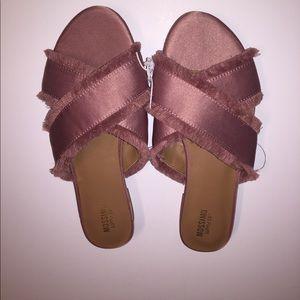 Fashion slip on sandals